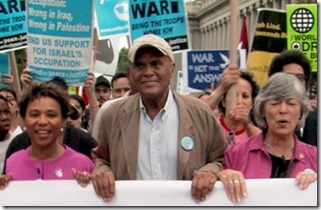 Activist Harry Belefonte in Sing Your Song